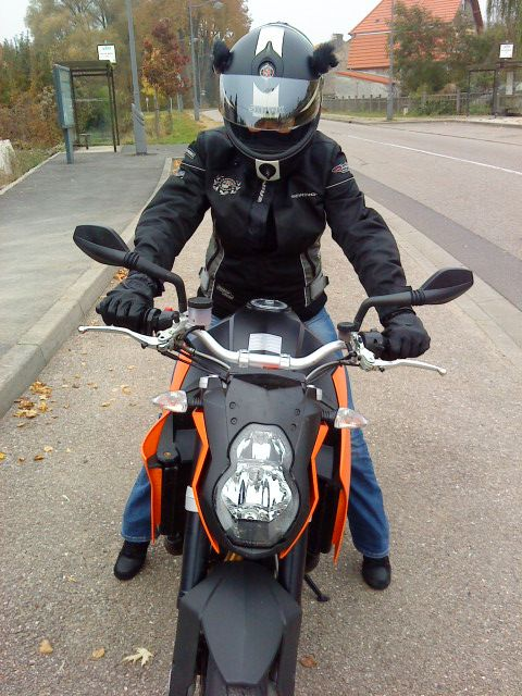 KTM 990 Super Duke vue de face