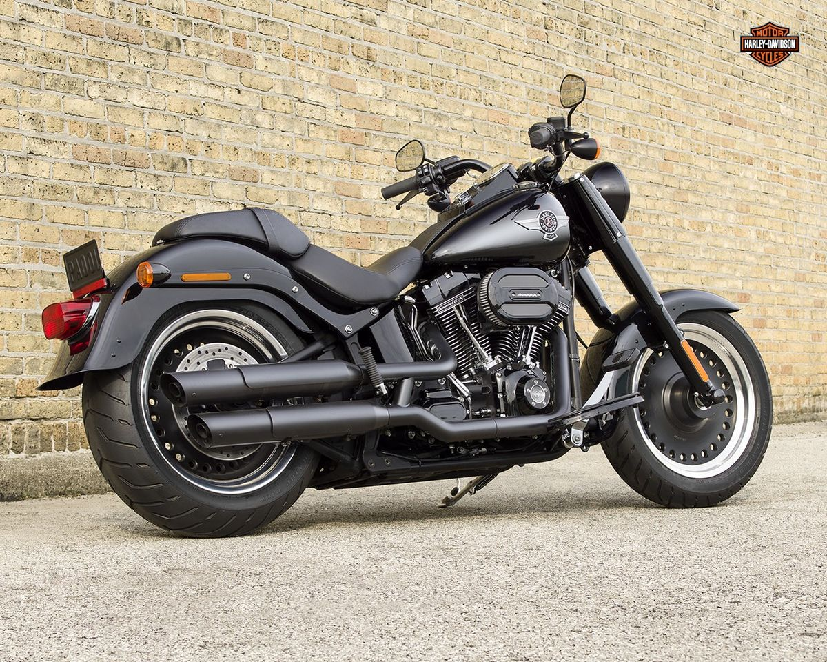 Harley Davidson Fat Boy S noir brillant