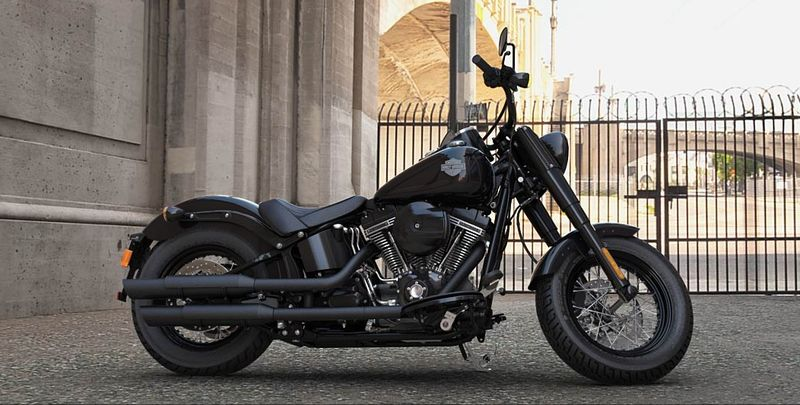 Harley Softail Slim S noir brillant