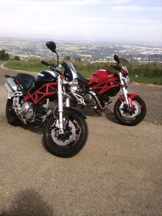 Ducati Monster S2R et Monster 696