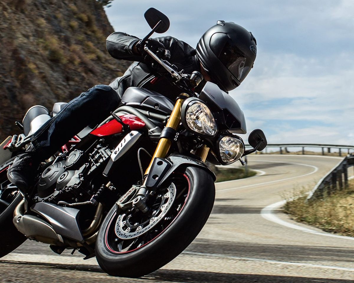 Miniature Triumph Speed Triple 2016