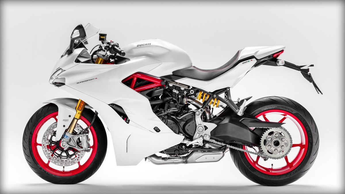 Ducati SuperSport S 2017 vue de gauche