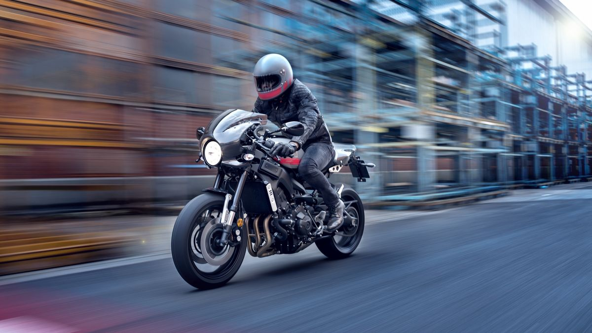 Yamaha XSR 900 Abarth en action